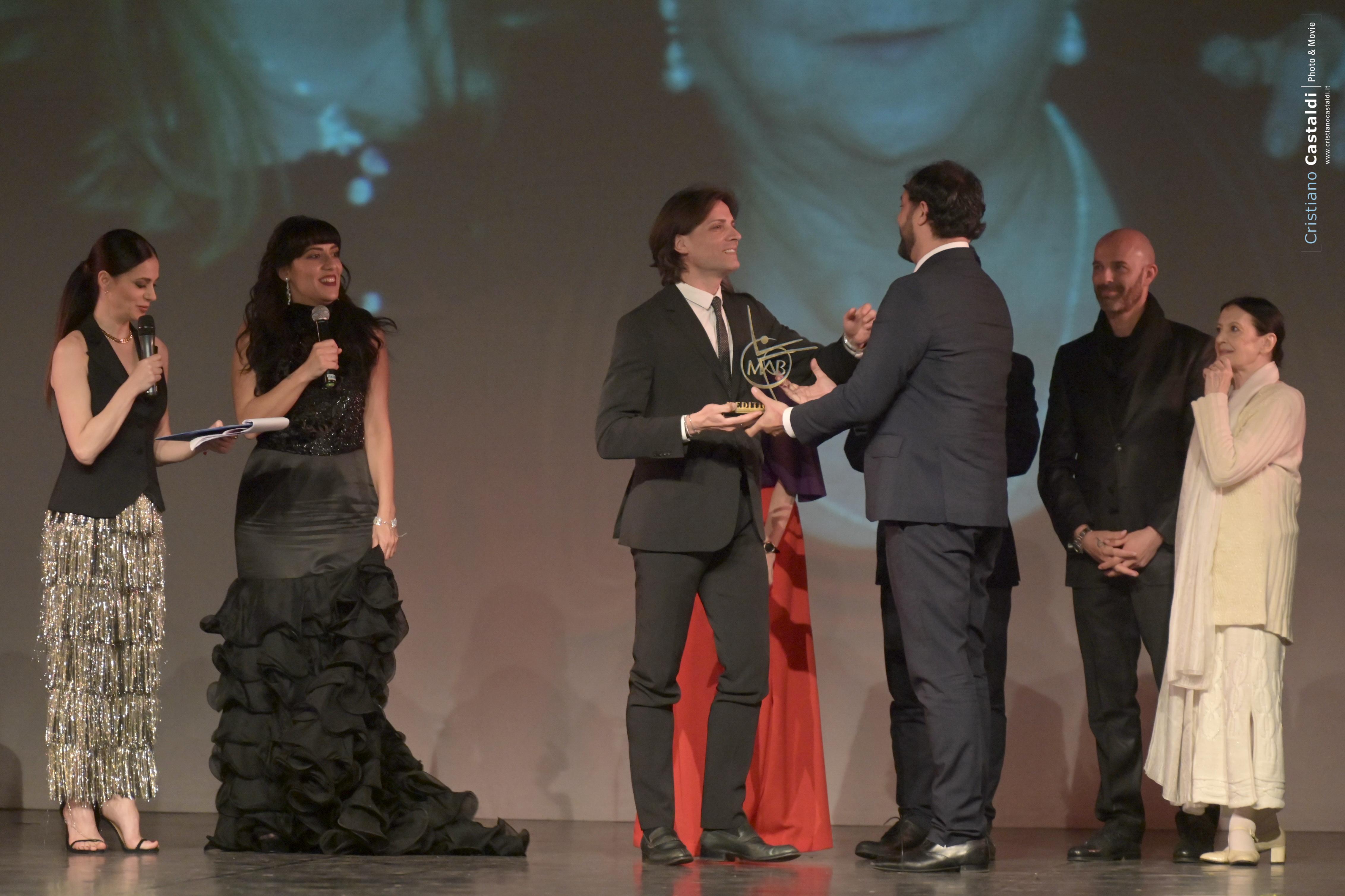 """Antonio Desiderio riceve il Premio """"Amici del Mab"""""""